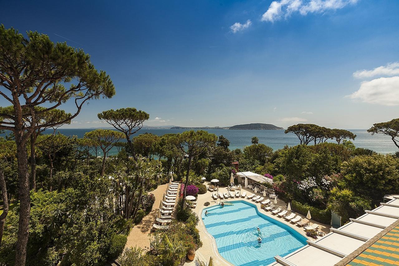 Vista piscina hotel Excelsior